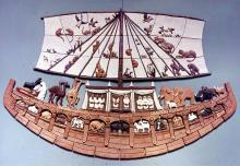 Noah's Ark stoneware (Wikimedia Commons)